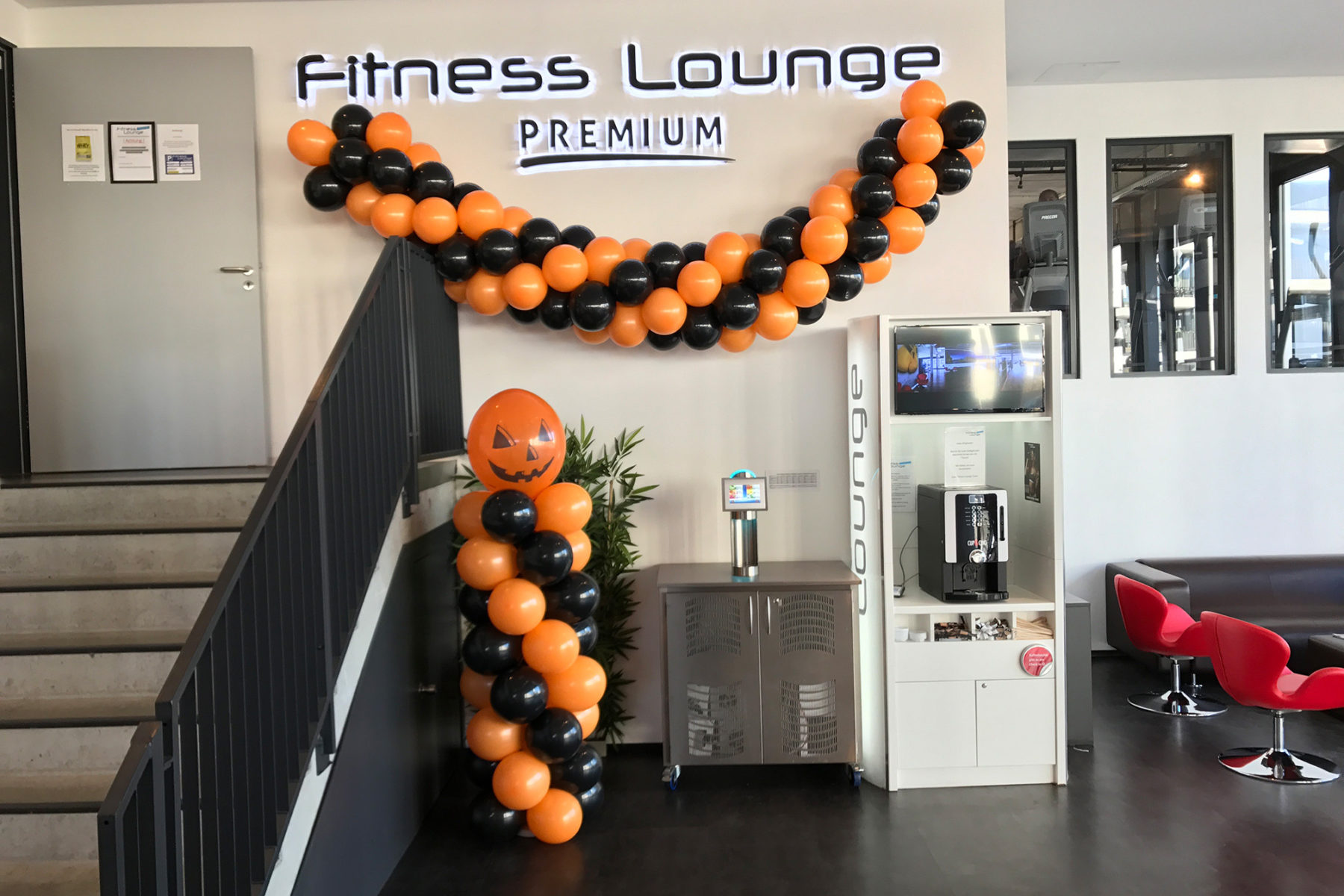 Event-Balloons Fitness Lounge Harburg Halloween Dekoration Event