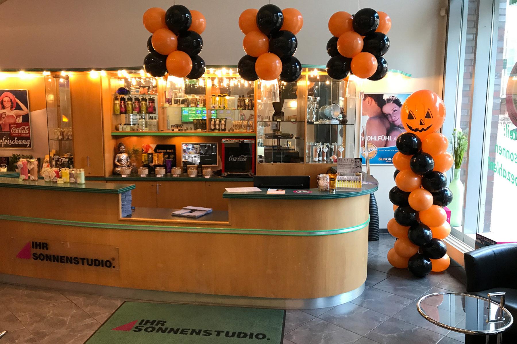Event-Balloons Ihr Sonnenstudio Harburg Luftballondekoration Halloween Kürbis