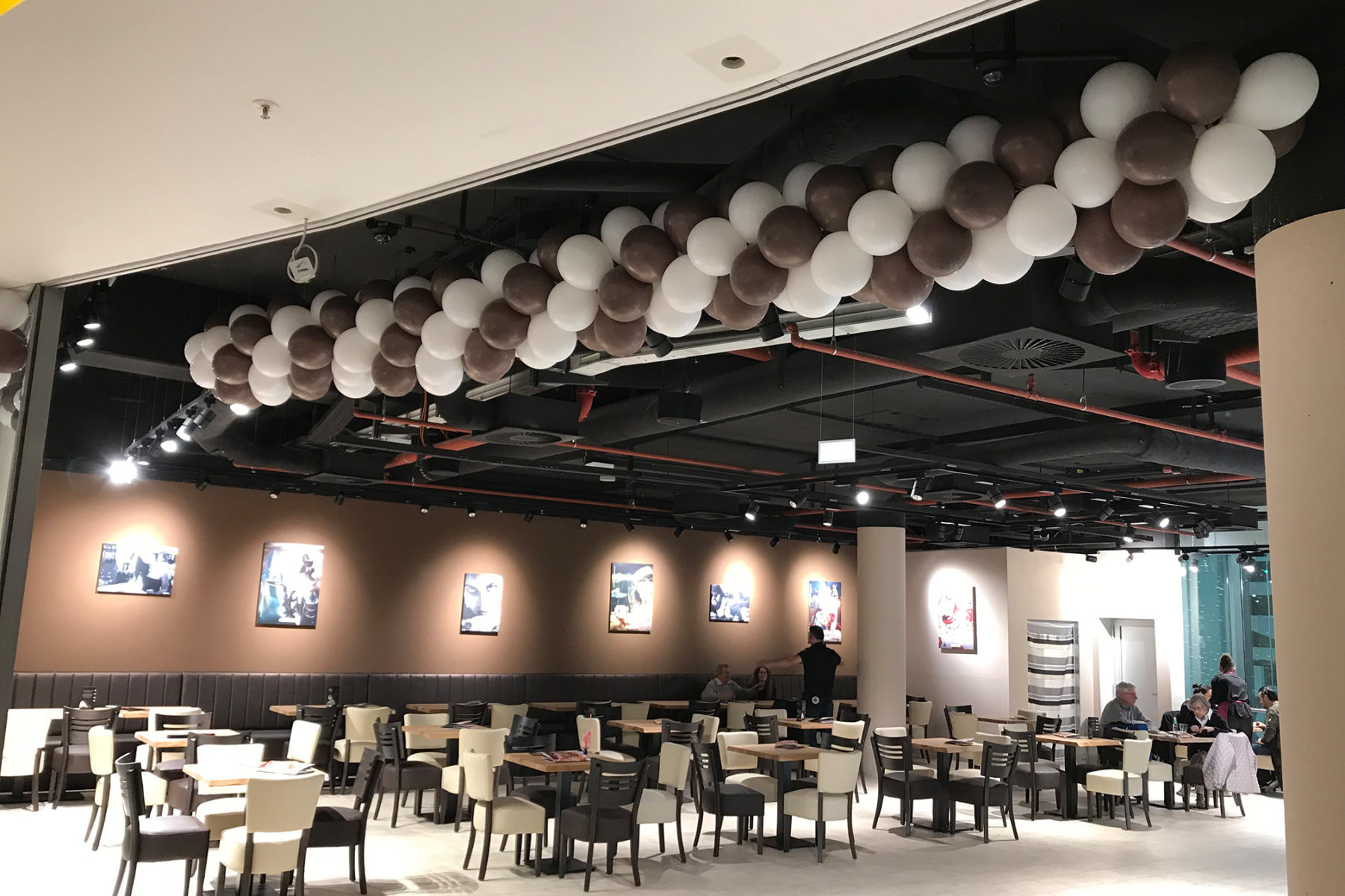 Event-Balloons Phoenix Center Eiscafe Coolbreak Kaffee Kuchen Eis